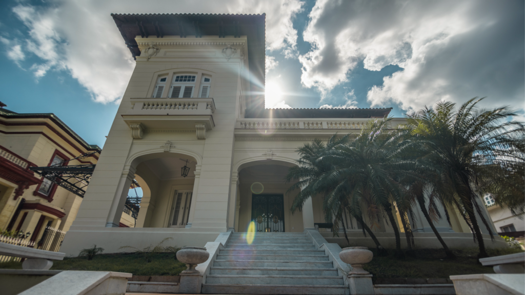 Fachada de la Casa de protocolo del Gobierno de La Habana